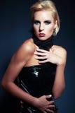 Blond flicka med kort hår Royaltyfri Fotografi