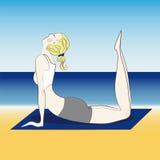 Blond flicka som gör yoga Arkivfoton