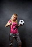 blond flickafotboll för boll Arkivbilder