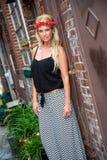 Blond flickakvinna royaltyfri foto