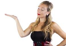 Blond in gestreifter Kleiderwerbung Lizenzfreie Stockfotografie