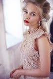 Blond härlig modell royaltyfria bilder