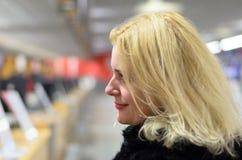 blond hårkvinna Fotografering för Bildbyråer