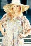blond hat sun wearing woman Στοκ Φωτογραφία