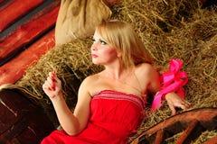 Blond im Hayloft Lizenzfreies Stockbild