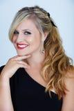 Blond im Partykleid Lizenzfreies Stockbild