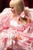 Blond im rosafarbenen Kleid Lizenzfreie Stockfotos