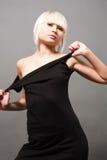 Blond im Schwarzen Lizenzfreies Stockbild