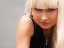 Blond im Schwarzen Stockbilder