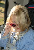 blond kall litet barn royaltyfria foton