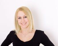Blond kobieta w czerni. Fotografia Royalty Free