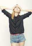 Blond kobiety wzorcowy pozować w studiu Obrazy Stock