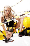 blond konstruktionskvinnligarbetare Royaltyfri Foto