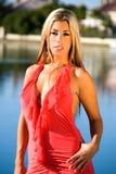 blond korallklänning arkivfoto