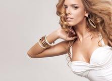 Blond kvinna Royaltyfria Bilder