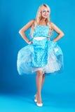 Blond kvinnatappning Fotografering för Bildbyråer