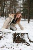 Blond meisje in het bos Royalty-vrije Stock Afbeelding