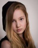 Blond Meisje Met een kap stock foto's