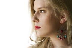 Blond meisje met oorring Stock Afbeeldingen