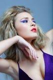 Blond mit den roten Lippen. Lizenzfreies Stockfoto