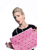Blond mit Einkaufstasche Lizenzfreies Stockbild