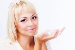 Blond mit Federn Lizenzfreie Stockfotos