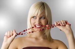 Blond mit Halskette Stockbilder