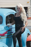 Blond mit hotrod Stockfotos