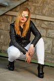 Blond mit Lederjacke Lizenzfreies Stockbild