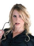Blond model met glazen royalty-vrije stock afbeeldingen