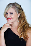 Blond in partijkleding royalty-vrije stock afbeelding