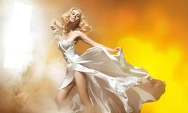blond sexig kvinna Arkivfoton