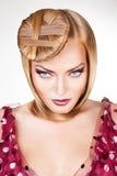 Blond sexig kvinna med blåa ögon Arkivfoton