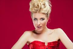 blond smokingowa czerwona kobieta Zdjęcie Royalty Free