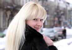 blond stående Royaltyfri Fotografi