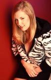 blond stående Fotografering för Bildbyråer