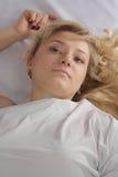 blond studiotunikawhite royaltyfri bild