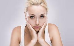blond tandvärkkvinna royaltyfria bilder
