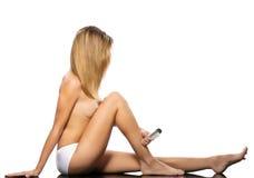 Blond toples seksowna dziewczyny nakrycia twarz z włosy Zdjęcie Royalty Free
