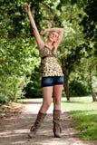 blond tyckande om frihetsflicka henne Royaltyfri Foto