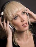Blond u. Kopfhörer Lizenzfreies Stockfoto