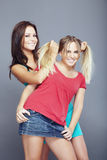 Blond und Brunette Stockfoto