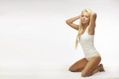 Blond underkläderskönhet Arkivbild