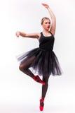 Blond ung härlig balettdansör som isoleras över vit bakgrund Royaltyfri Foto