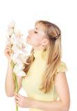 Blond womanl z orchideą Fotografia Royalty Free