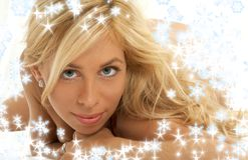 blonda älskvärda snowflakes Royaltyfri Foto