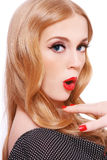 Blonde étonnée photo libre de droits