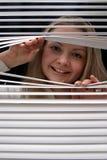 Blonde após jalousies Imagem de Stock