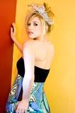 Blonde Art und Weisebaumusterfrau Lizenzfreies Stockfoto