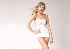 Blonde atractivo atractivo Fotos de archivo libres de regalías